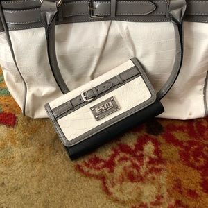 Guess shoulder bag and wallet
